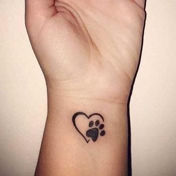 tatouage patte de chien coeur